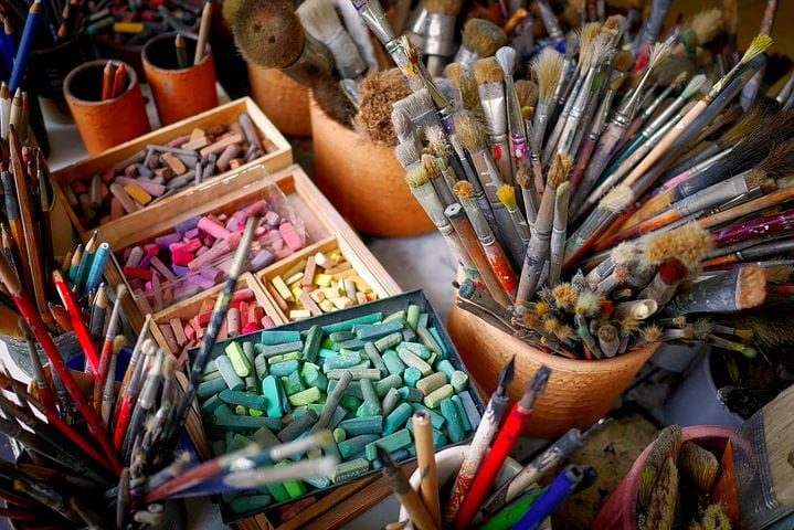 Image of paintbrushes