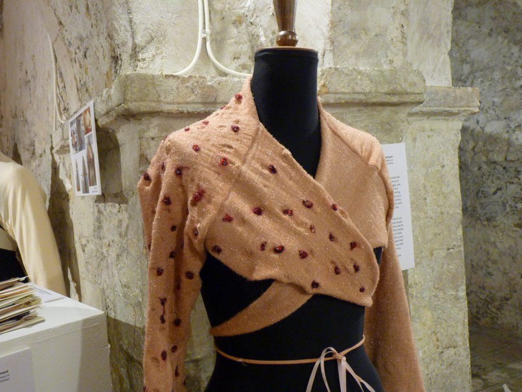 Scabies textile garment
