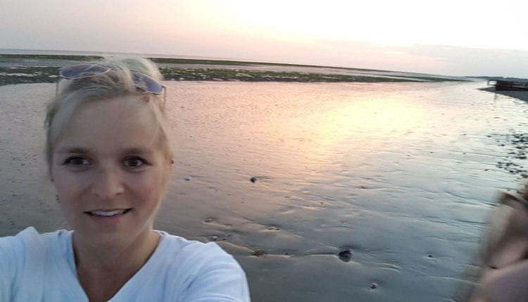Dominique Cuthill selfie on a beach