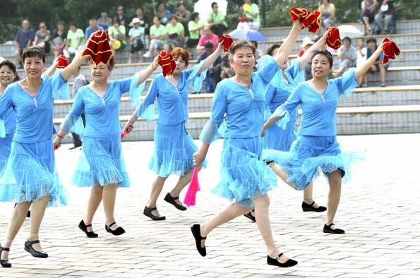 https://www.google.com/search?biw=1920&bih=966&tbm=isch&sa=1&ei=PjbkW8LuLLCYlwTX9ajYAw&q=chinese+square+dancing&oq=chinese+square+dan&gs_l=img.1.0.0j0i24k1l2.925888.936121.0.937967.37.22.9.6.6.0.77.1340.22.22.0....0...1c.1.64.img..0.37.1429...0i67k1j0i5i30k1j0i8i30k1j0i30k1.0.xMitQfdoq1E#imgrc=AGC8cJbphFSvrM: