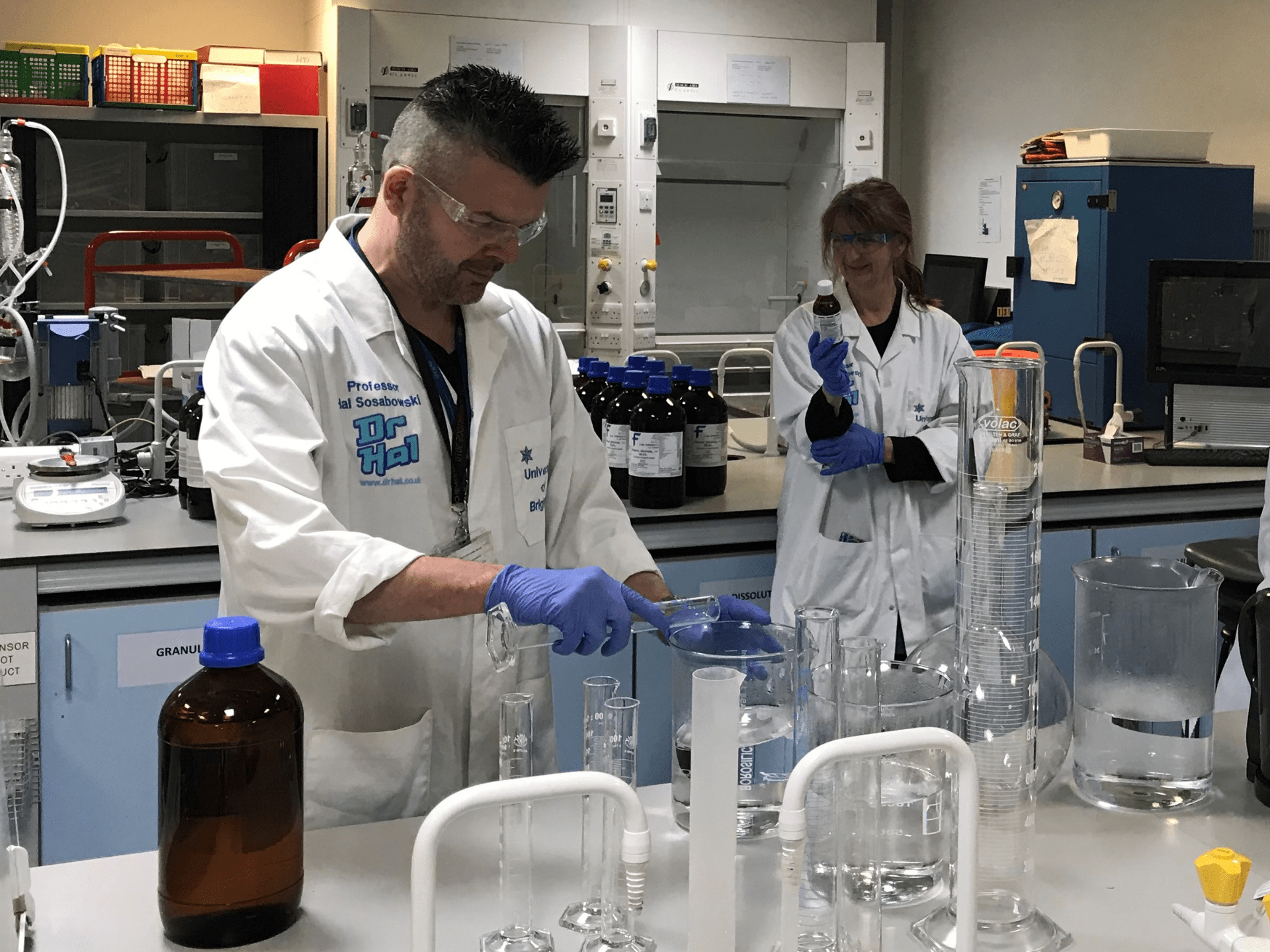 Prof Sosabowski and Dr MacAdam in the lab