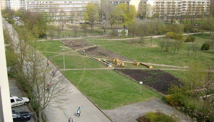 The Big Bed at Spiel/Feld Marzahn seen in 2011 (source: Katrin Bohn 2011)