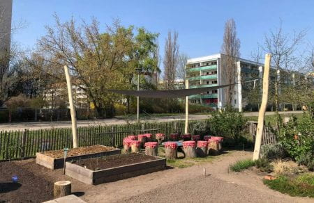 The schoolgarden, a distinct part of Spiel/Feld, in April, with its new sun shading in place (source: Spiel/Feld www 2020)