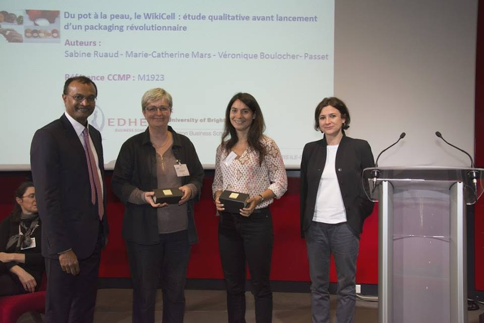Véronique Boulocher-Passet (University of Brighton's Business School), Sabine Ruaud (Edhec Business School), and Marie-Catherine Mars (Edhec Business School) receiving their award for Wikicells.