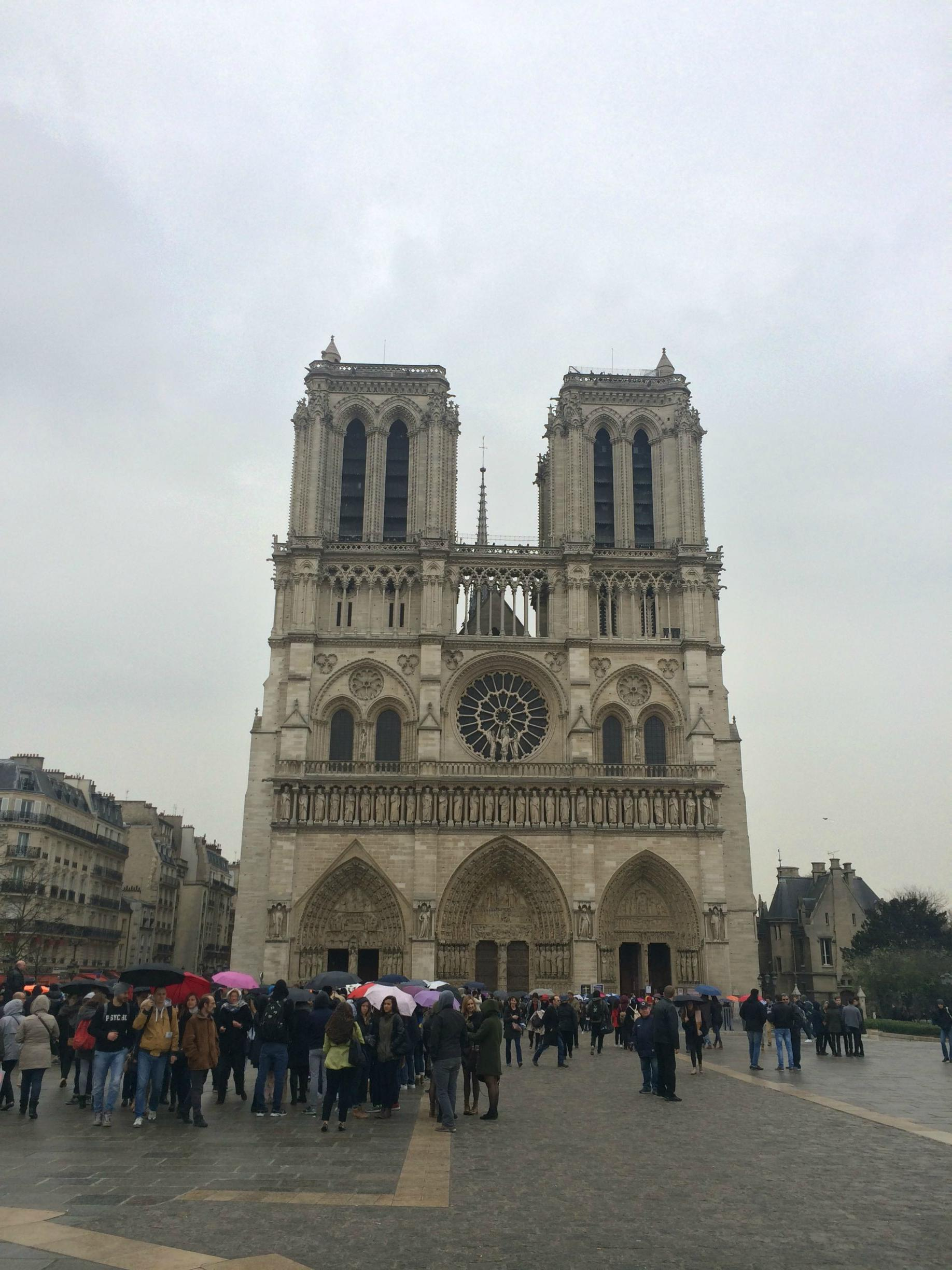 notre dame cathedral construction