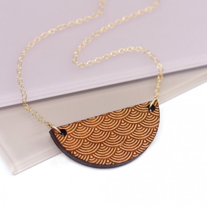 wooden scallop necklace, maria fox, graphic design