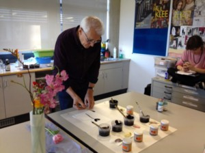Rob demonstrating work with dyes and Indian ink.