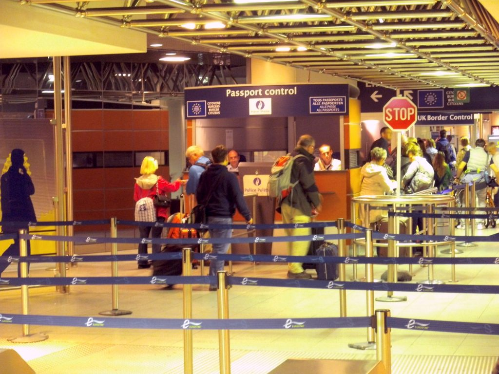 Check-In and passport control at the Eurostar station Bruxelles-Midi/Brussel-Zuid (Belgium). Credit - Opihuck/Wikimedia Commons