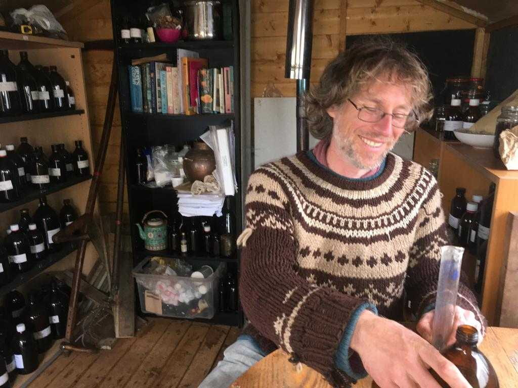 Upcoming Events – Herb talk – tincture making with Chris Roe