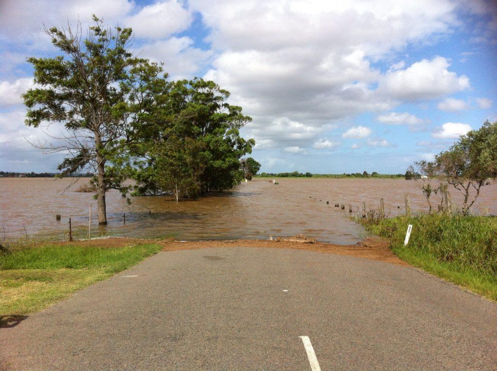 flooded-491245