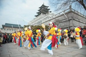 Korean New Years performers in Seoul