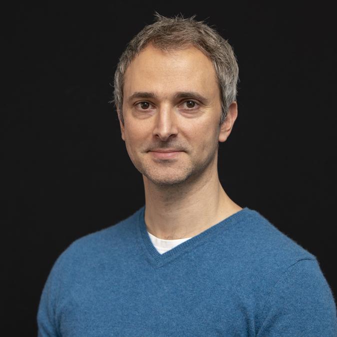 Dr Etienne Roesch