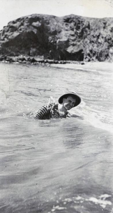 Hedgeland swimming at Chinwangtao