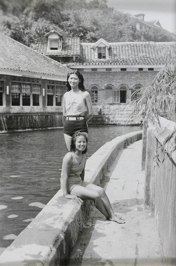 Fig. 4 Jiang Fangling and Zhang Yukun at the swimming pool. Source: Fu Bingchang Collection Fu02-063 © 2007 C. H. Foo and Y. W. Foo