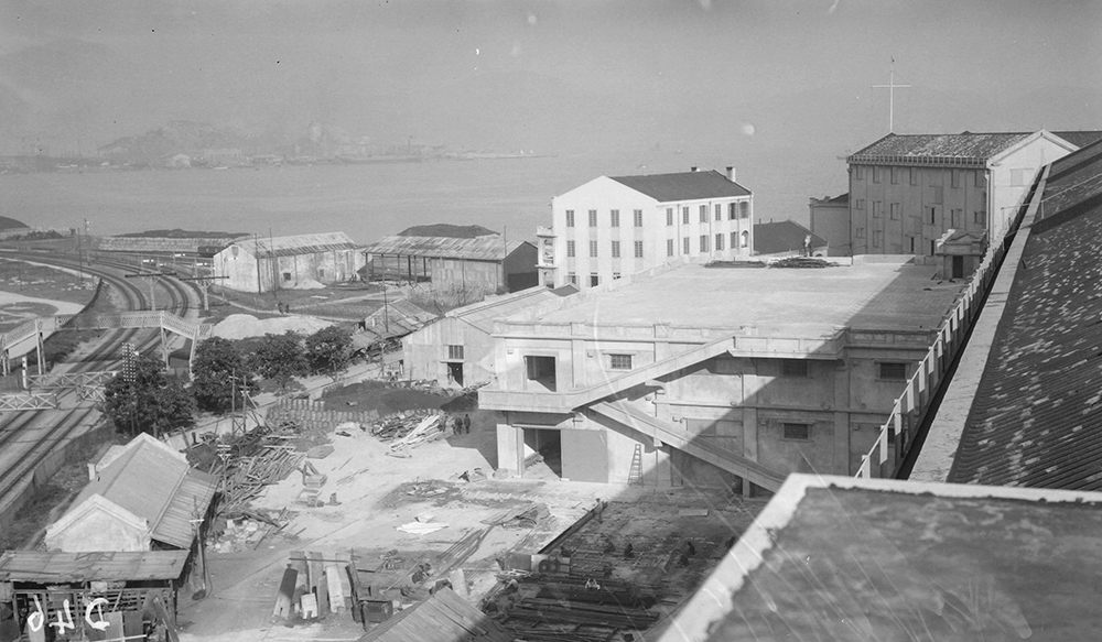 Holts Wharf No. 6, Hong Kong, 1919-1920.  Photograph by G. Warren Swire.  HPC ref: Sw04-068.  © 2007 John Swire & Sons Ltd.
