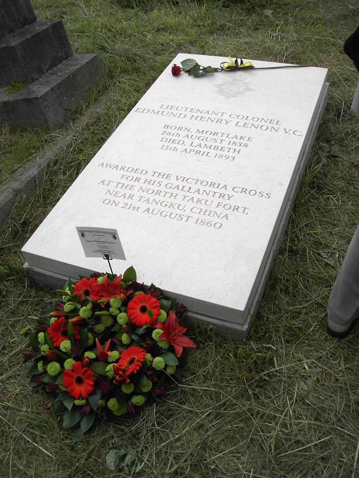 9.Lieut. Colonel Lenon's new headstone, Kensal Rise Cemetery (Copyright, Hampshire Regiment).