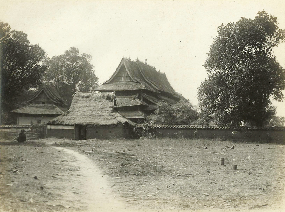 A Shan temple. Frederic Carey Collection, FC01-06 © 2011 Ann Kinross.