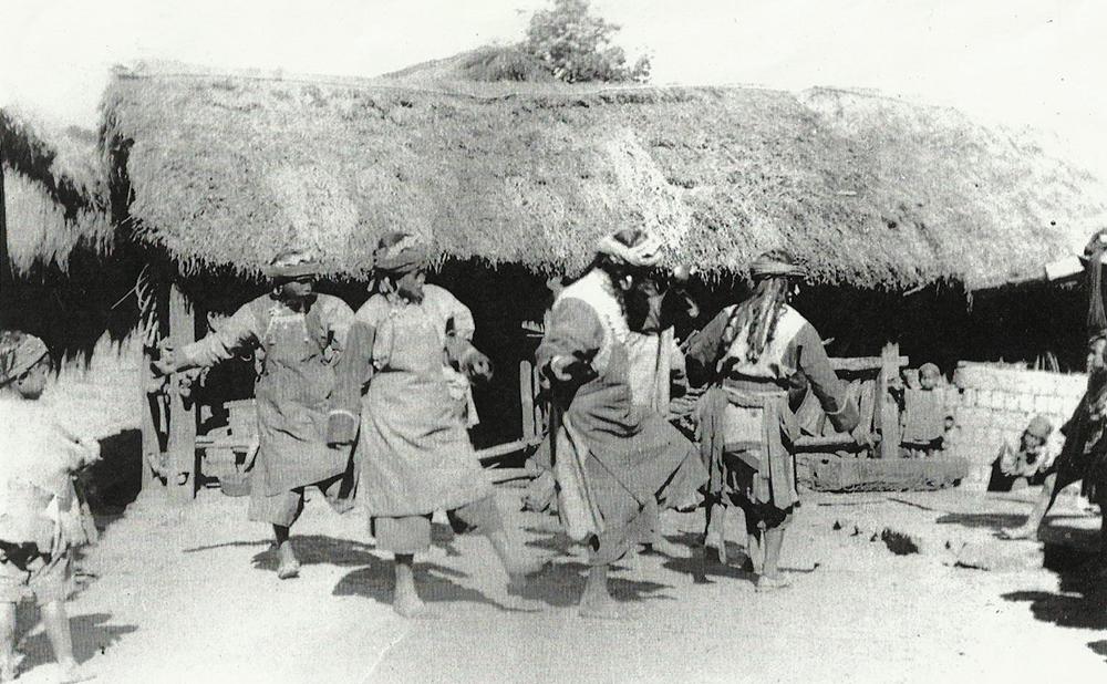 Lolo villagers dancing, near Szemao. Frederic Carey Collection, FC01-10 © 2011 Ann Kinross.