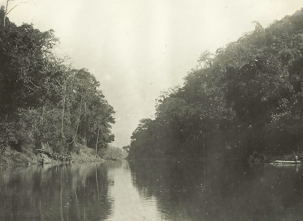 Puyuan River and fisherman. Frederic Carey Collection, FC01-15 © 2011 Ann Kinross.