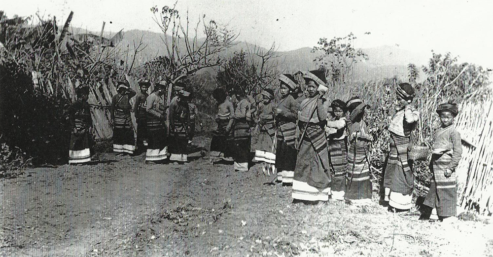 The costume worn by the 'Pa-I' or 'coloured bodice' Shans and exhibited in Paris, consisting 'of a turban embroidered with gold thread, a short tight-sleeved jacket, a long white petticoat, and a coloured skirt'. In the RGS article, the photograph is captioned, 'Pa-I' Shans Playing at the love-game of throwing coloured balls', Carey adding that he was 'pelted with the love-missiles whenever[he] appeared in the valley. Frederic Carey Collection, FC01-08 © 2011 Ann Kinross.