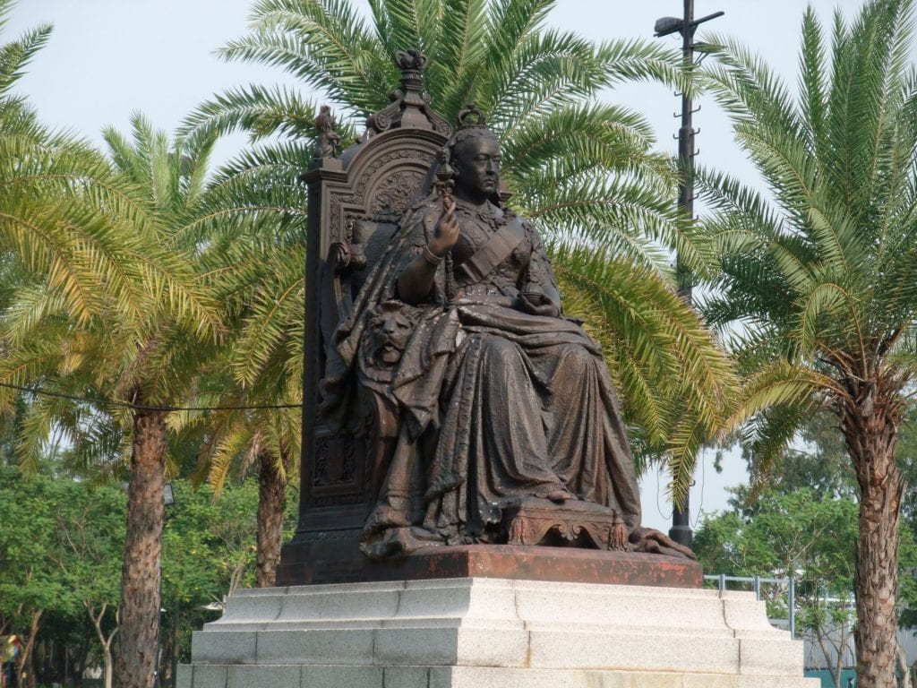 Statue of Queen Victoria in Victoria Park, facing south in the tradition of all Chinese Imperial figures, November 2008. Photograph by Minghong. Source: Wikimedia Commons.
