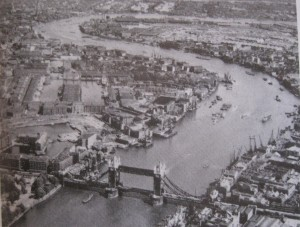 View of the Thames looking east circa 1970 (Photo 2)