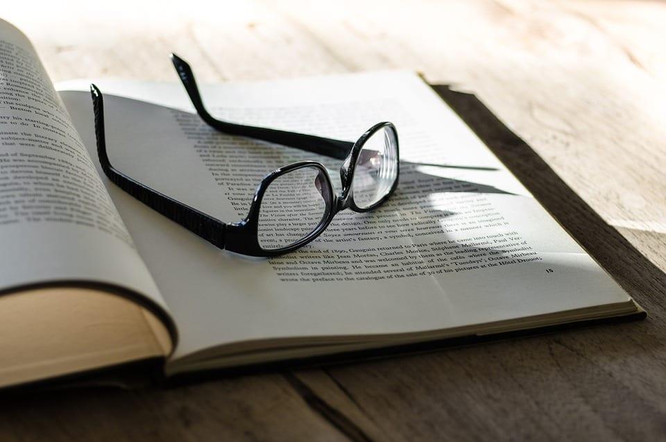 specs-on-book