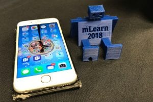 Conference freebie - a 3D-printed robot phone holder, plus iPhone 6s