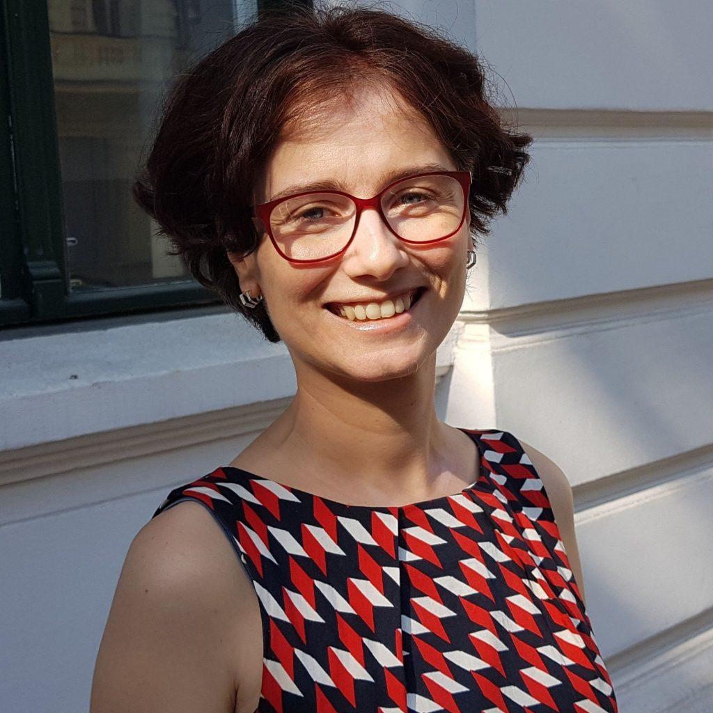 Photo of Dr Alexandra Mihai