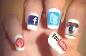 social media finger nails image from http://knight.stanford.edu/life-fellow/2014/15-social-media-tips-and-tools-for-journalists/