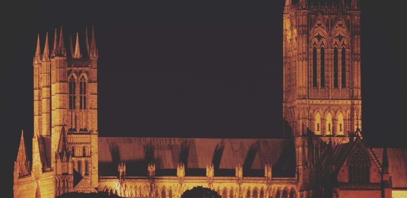 The Lincoln Cathedral lit at night