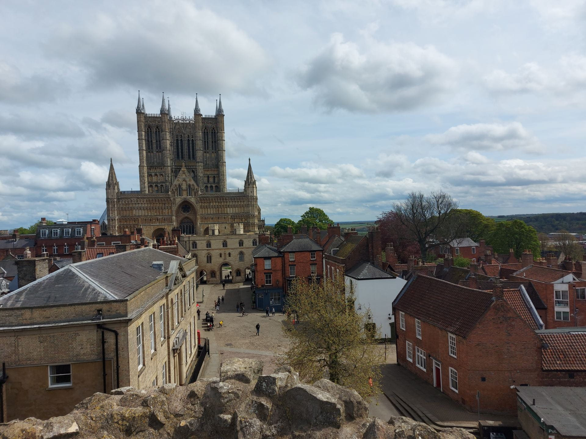 panoramic view of Lincoln with the cathedral ahead