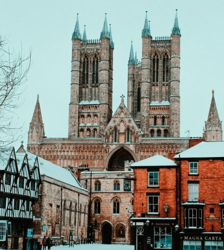 Lincoln Bailgate in the snow