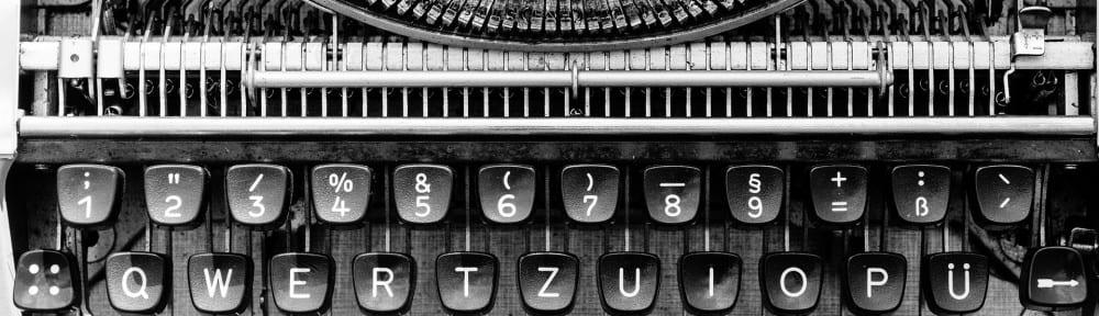 typewriter-1156829_1920