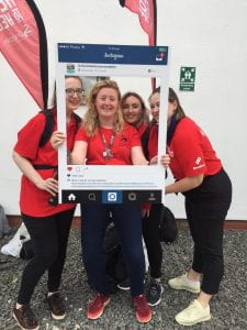 Selfie frame photo of our students' union helpers on move in weekend on campus.