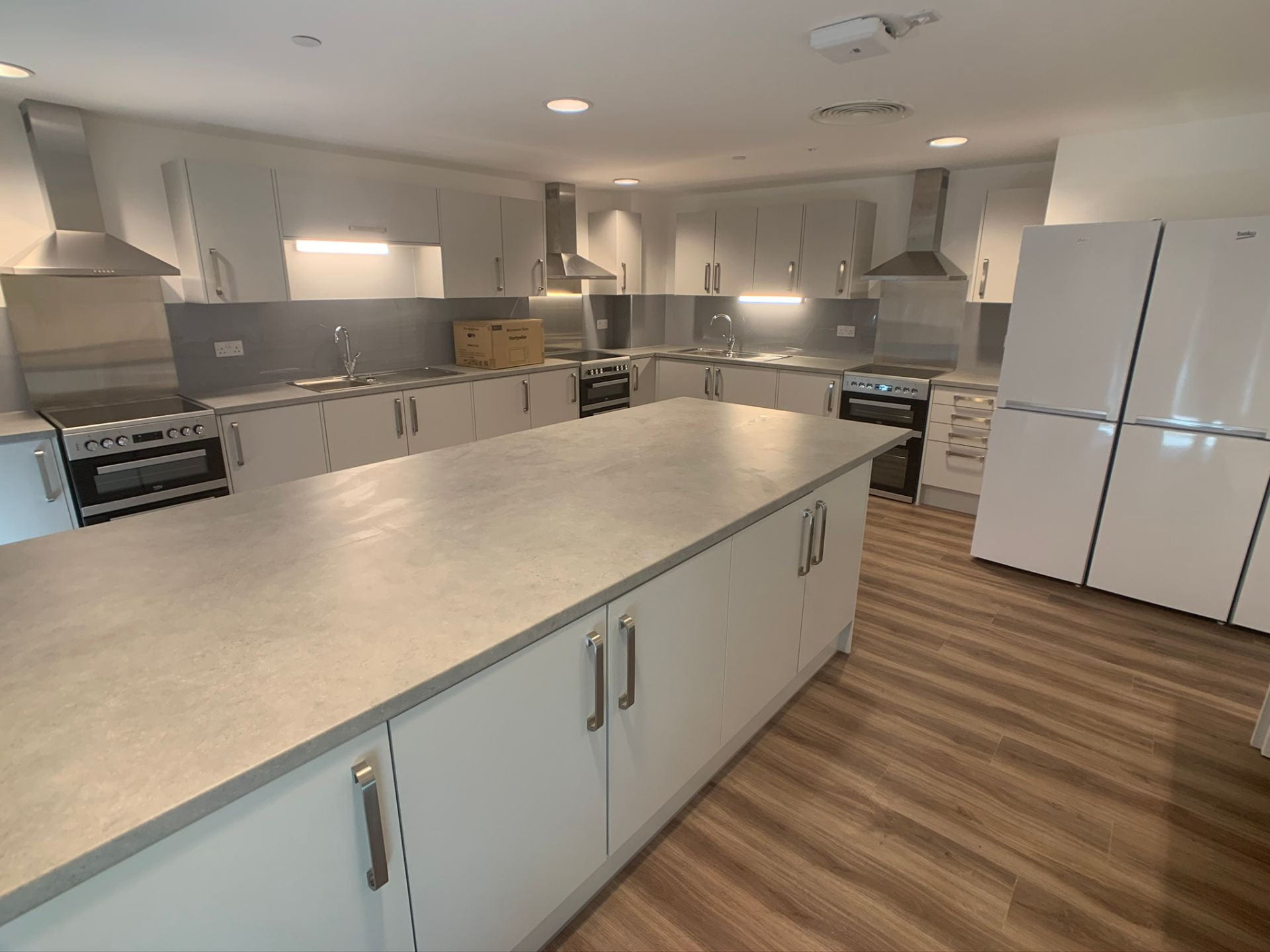 179 High Street new and unfurnished kitchen