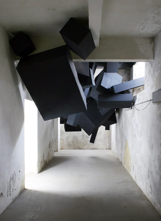 via-grafik-black-box-installation-1