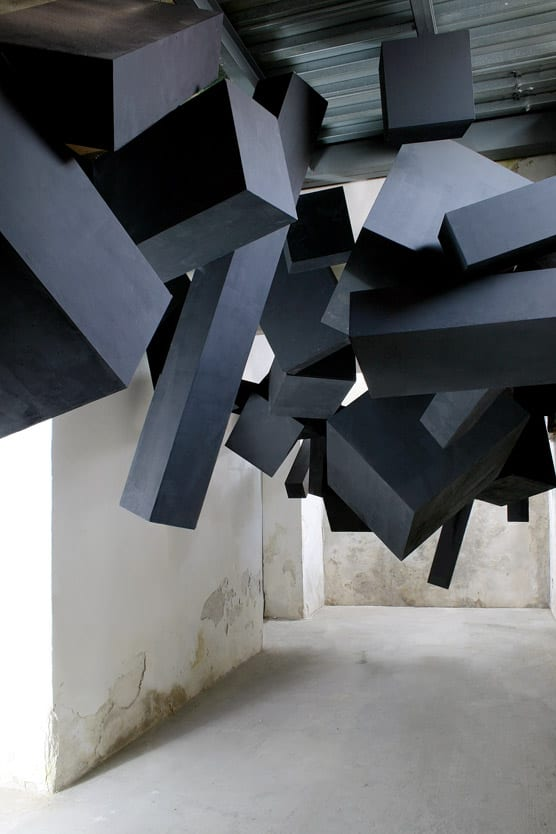 via-grafik-black-box-installation-2
