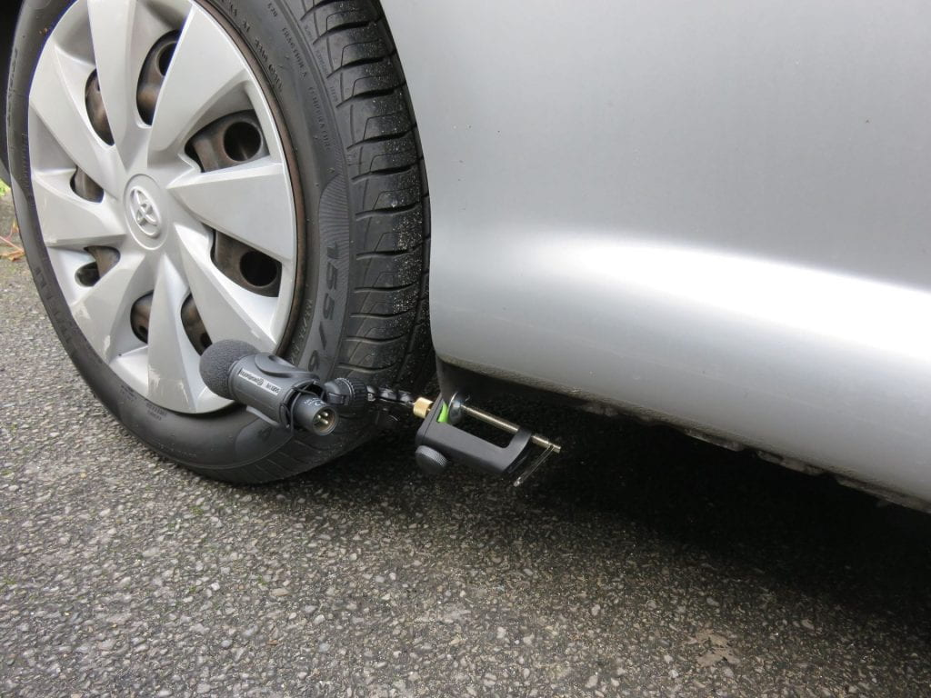 Microphone recording tyre sound