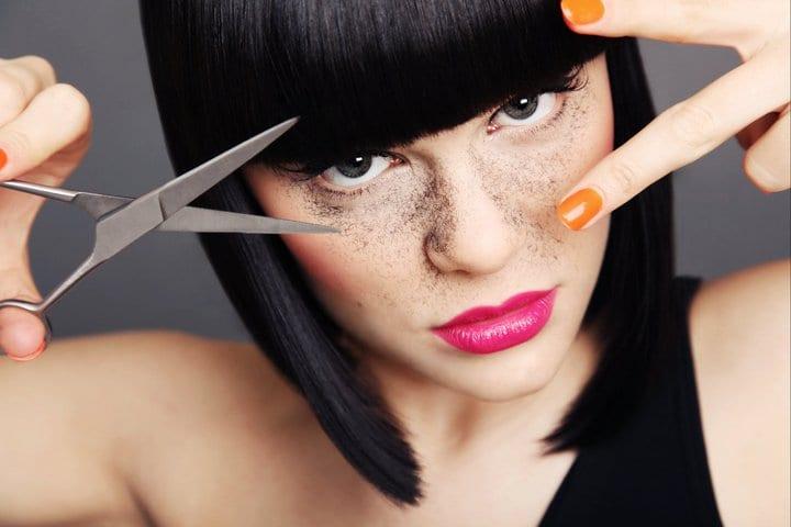 Jessie J cuts hair