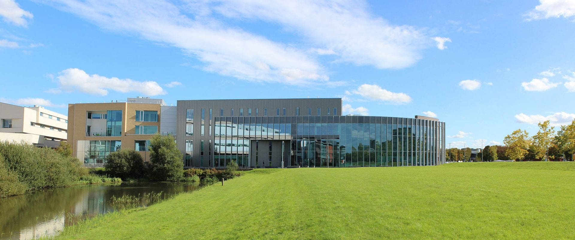 A panorama photo of the Isaac Newton Building at the University of Lincoln.