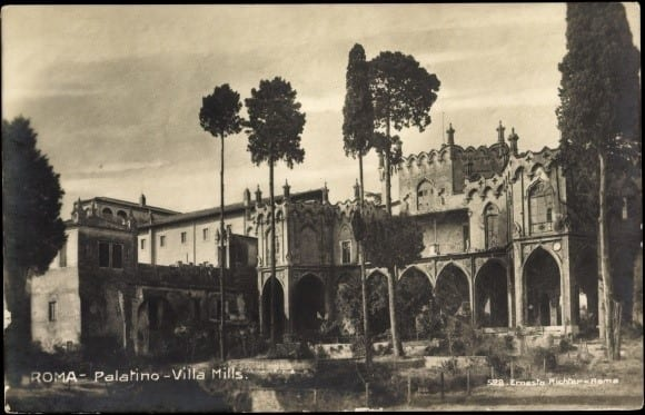 8. Postcard Villa Mills