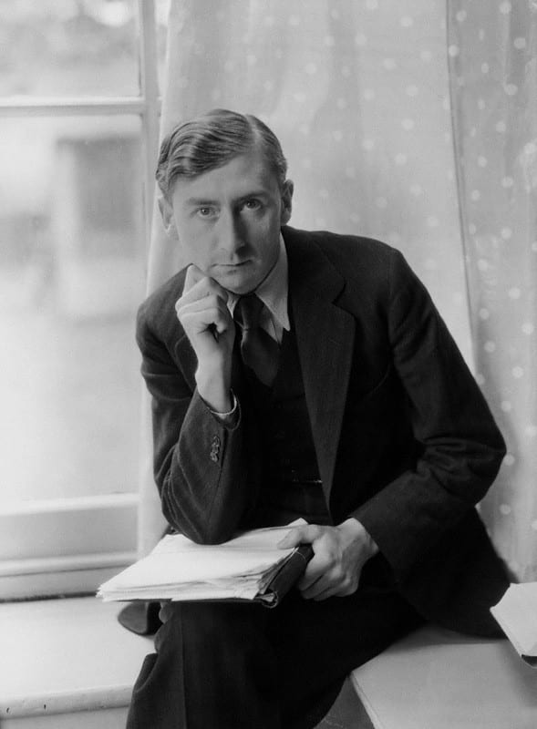 Herbert Read by Howard Coster, half-plate film negative, 1934 (© National Portrait Gallery, London).