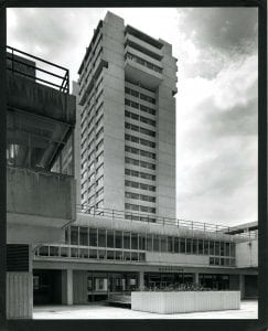 Courtyard of the Marylebone Road campus, c. 1971 (University of Westminster Archives, UWA/PCL/7/a/4/2/27)
