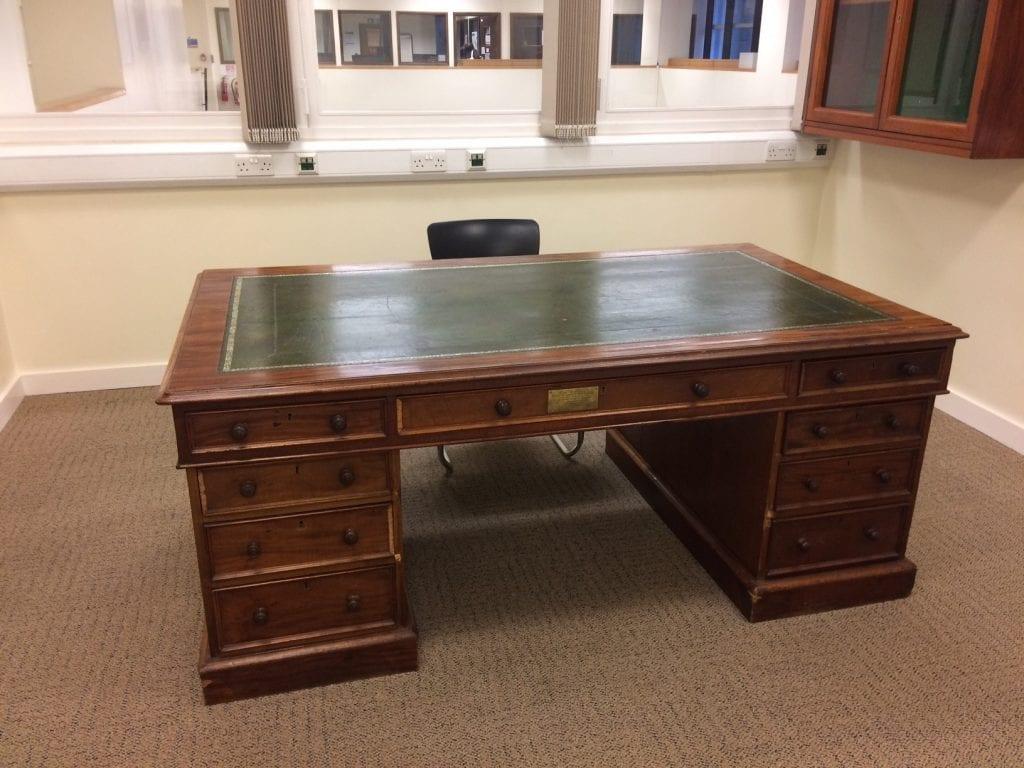 EGA desk 1