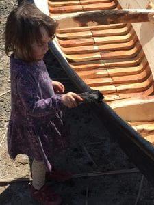 4 Leila helps tar the Nawfili - copyright Hannah Lewis