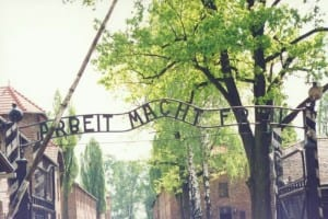 Auschwitz entrance Credit –http://www.flickr.com/photos/kasiaflickr/