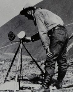 Heliograph in use via Wikimedia Commons.