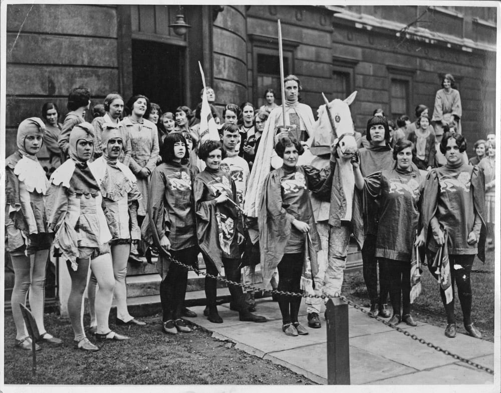 Slade students preparing for the Chelsea Arts Ball, 1926
