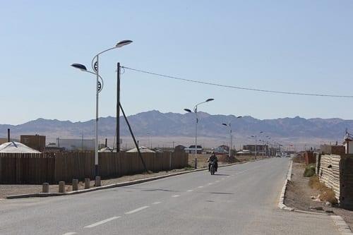 Dalanzadgad Street (Photo by Byambajav Dalaibuyan, 2013)
